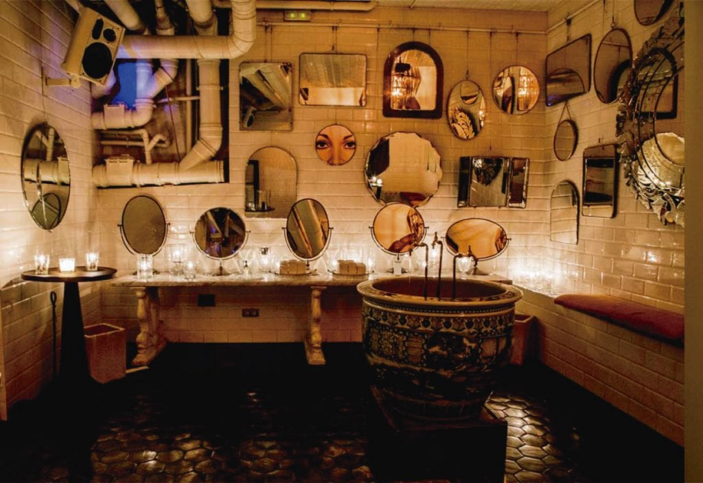Boca Chica bathroom picture, a visit here is one of the best things to do in Barcelona at night