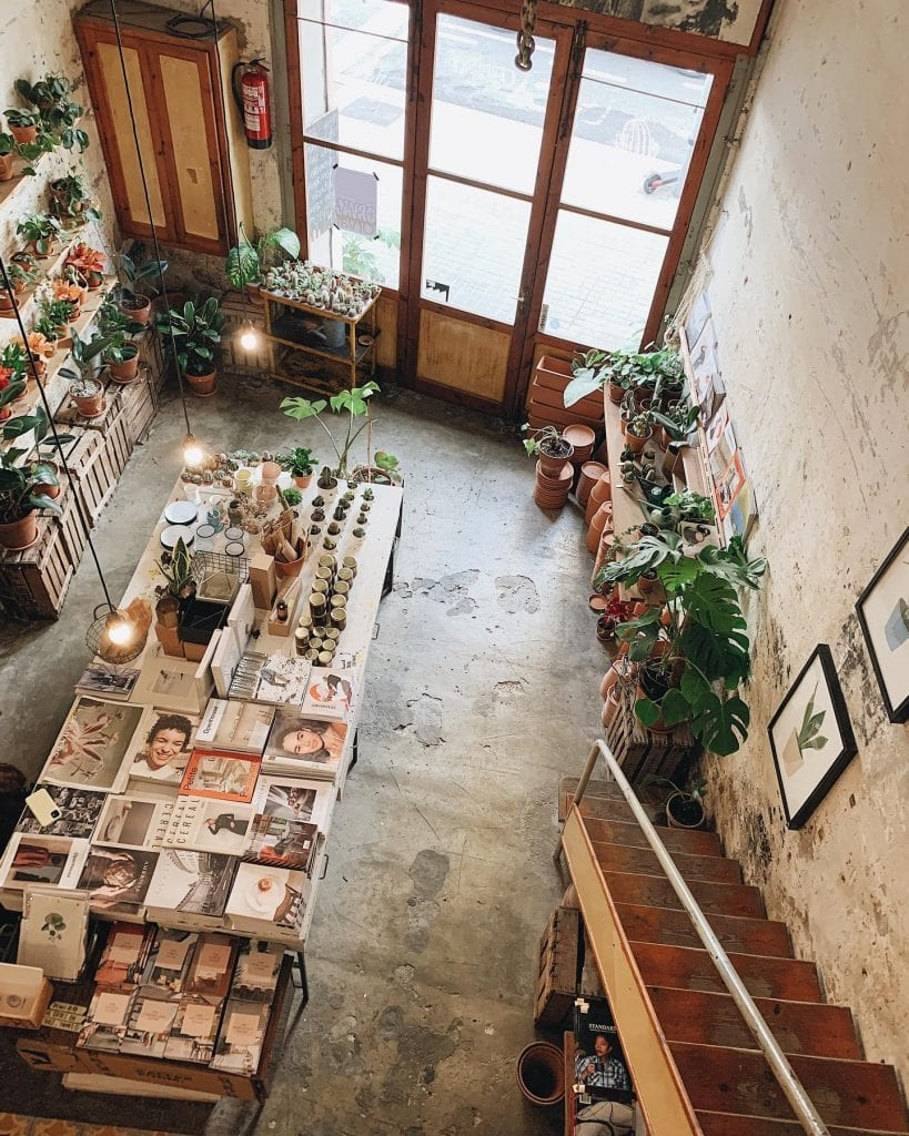 Espai Joliu image, visiting it to discover indie magazines and tasting specialty coffee is one of the cool things to do in Barcelona